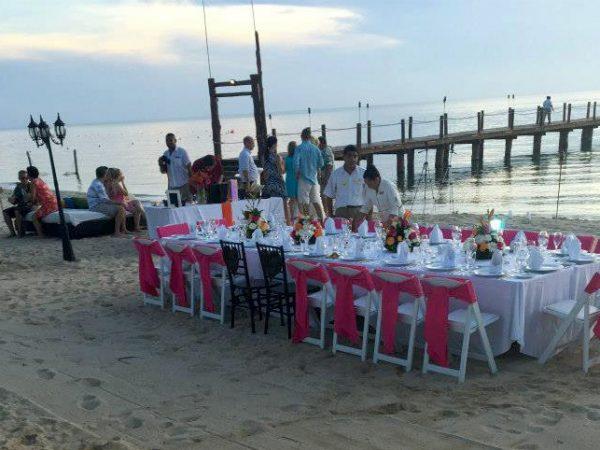 Gelliotscatering-beachwedding